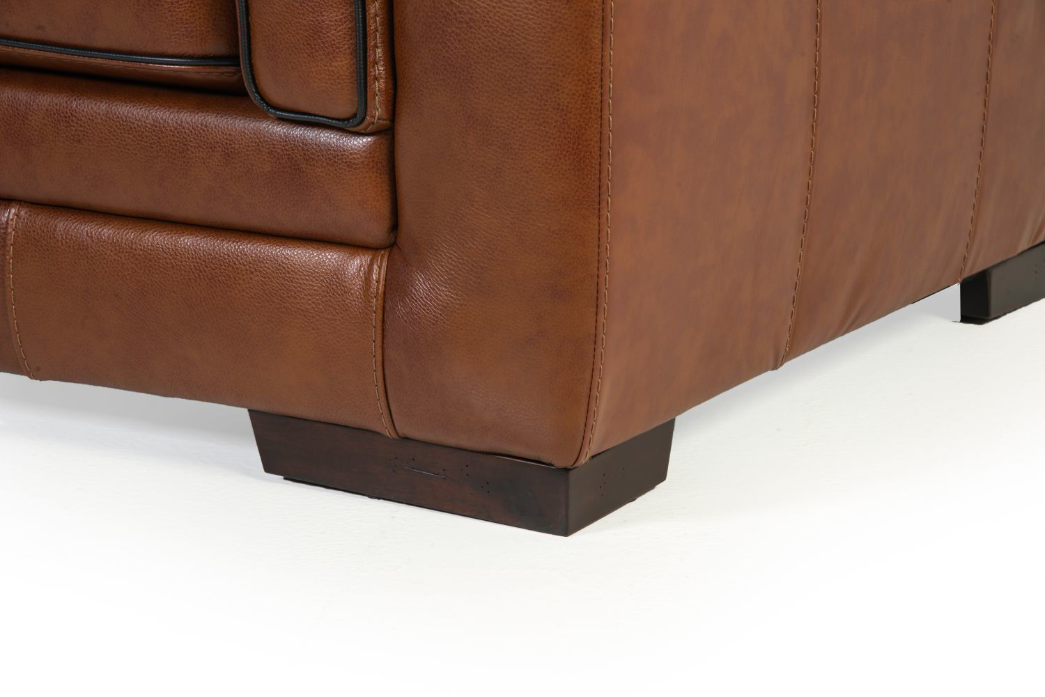 Picture of MACCO LEATHER CHAIR