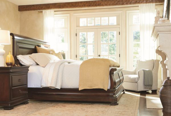 Picture of REPRISE QUEEN SLEIGH BED